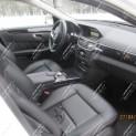Автомобиль бизнес-класса Mercedes-Benz E220